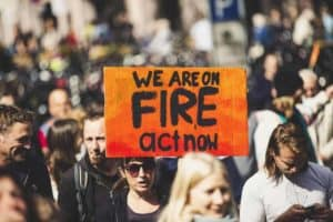 Fridays for Future Activisten kämpfen gegen den Klimawandel und für Transformation in Unternehmen.